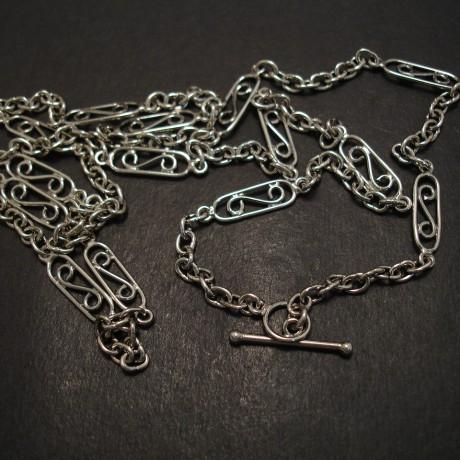 arts-crafts-silver-necklace-07372.jpg