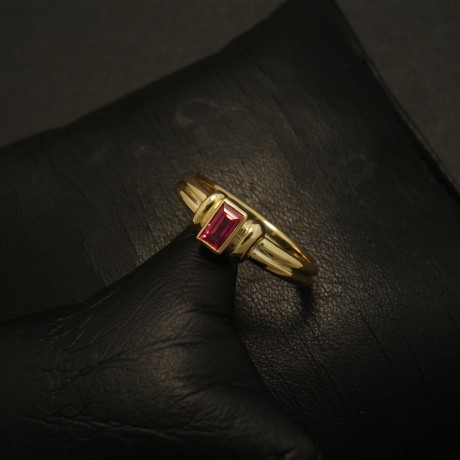 baguette-ruby-18ctgold-handmade-2band-ring-02807.jpg