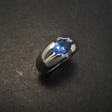 ceylon-sapphire-solitaite-white-gold-scooped-ring-06961