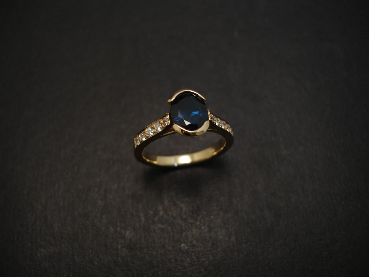 australian saphhire gemstone engagement ring jewellery