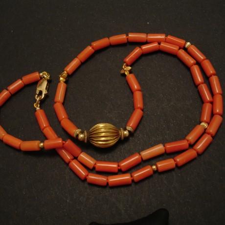 coral-necklace-gem-quality-18ctgold-02433.jpg