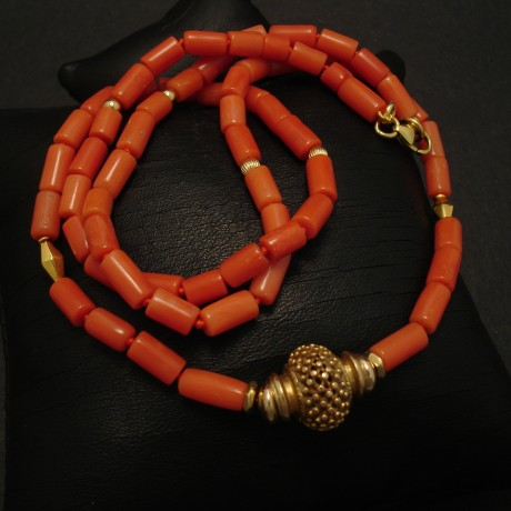 coral-necklace-gem-quality-18ctgold-03291.jpg