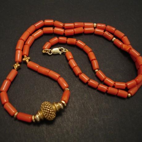 coral-necklace-gem-quality-18ctgold-03598.jpg