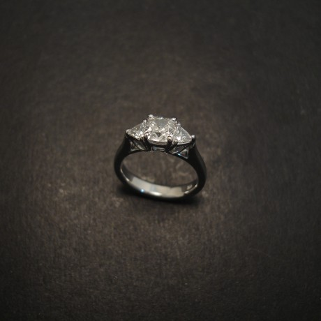 cushio-cut-trilliants-diamond-engagement-ring-07261