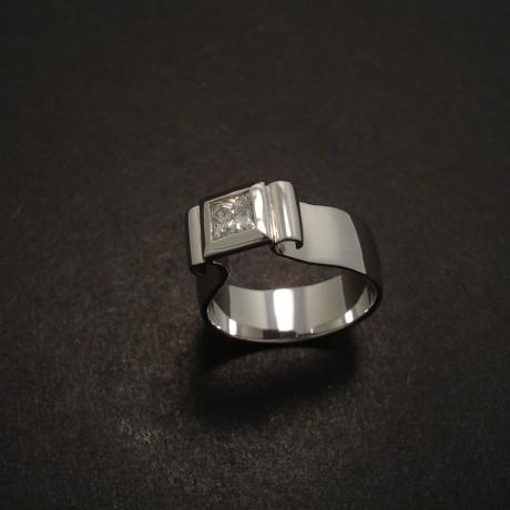 custom-made-engagement-ring-white-gold-top-curl-06758.jpg