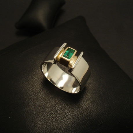 30ct-baguette-emerald-silver-gold-9mm-ring-02179.jpg