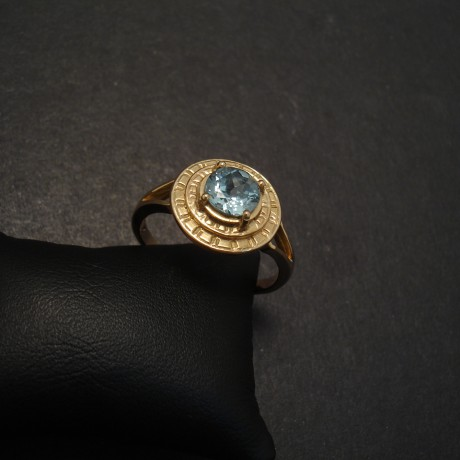 AAAGrade-6mm-Aquamarine-4claw-gold-ring-06570.jpg