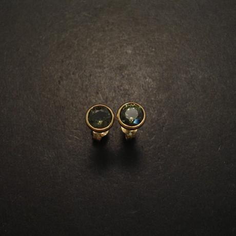 green-australian-sapphire-6mm-9ctgold-earstuds-05727.jpg