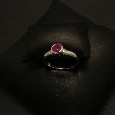 ruby-58ct-burmese-18ctwhite-gold0flare-ring-02373.jpg