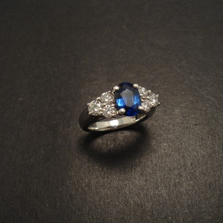 third-step-bespoke-engagement-ring-07550