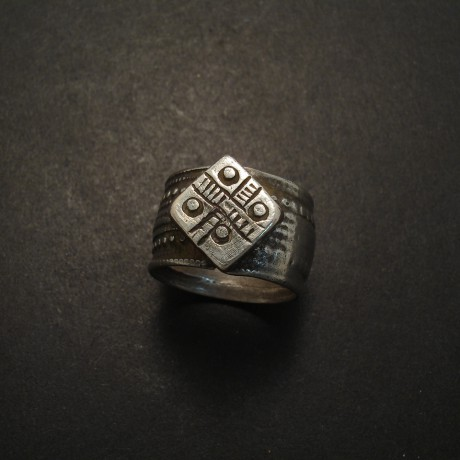 banjara-tribe-old-silver-ring-05286.jpg