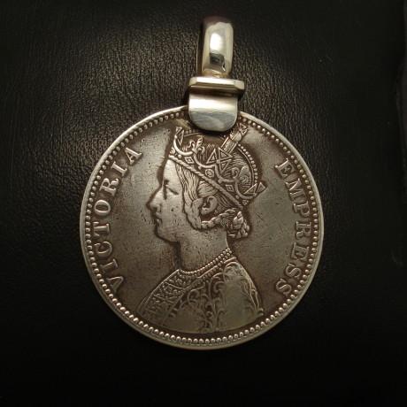 british-raj-silver-rupee-pendant-seljuk-01733.jpg