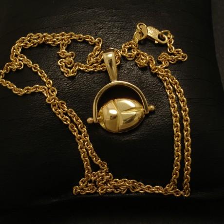 ancient-egypt-18ctgold-scarab-pendant-02610.jpg