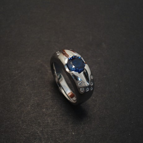 deep-blue-sapphire-18white-gold-scoop-ring-07827