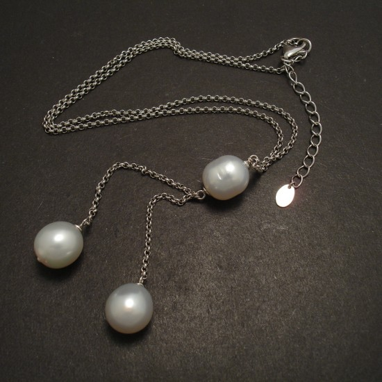 white-pearls-three-silver-chain-necklace-06386.jpg