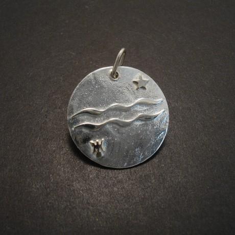 aquarius-disc-pendant-silver-18ctwhgold-05617.jpg