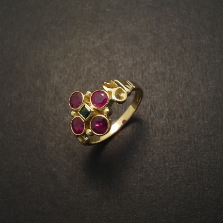 cluster-ruby-four-18ctgold-ring-05010.jpg