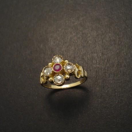 five-gemstone-ring-18ctgold-ruby-4rose-diamonds-05006
