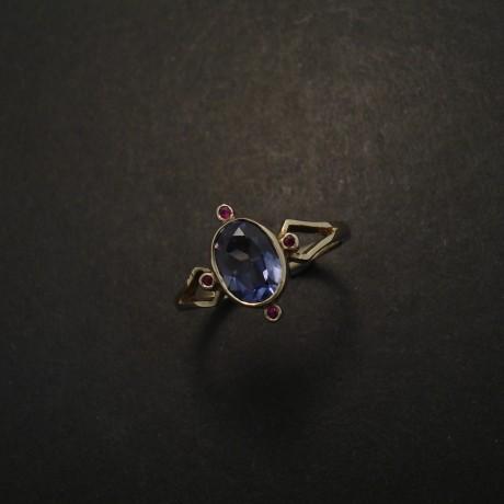 violet-iolite-rubies-9ctwhite-gold-ring-03466.jpg