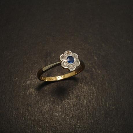 classic-daisy-antique-gold-plat-sapph-ring-09271.jpg