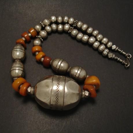 yemeni-amber-tmeni-silver-snake-chain-08064.jpg