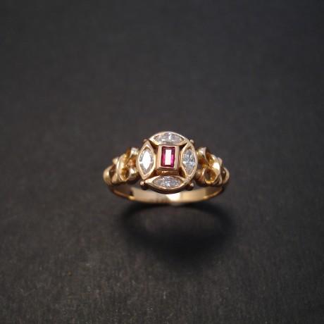 baguette-ruby-4diamond-marq-18rose-gold-ring-08111.jpg