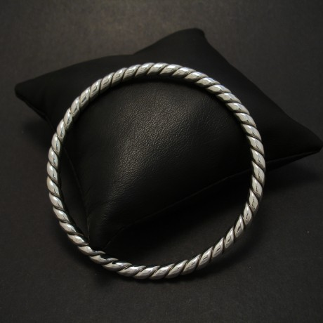 twist-wire-sterling-silver-bangle-08186.jpg