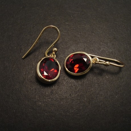 wine-red-10x8garnet-9ctgold-earrings-06370.jpg