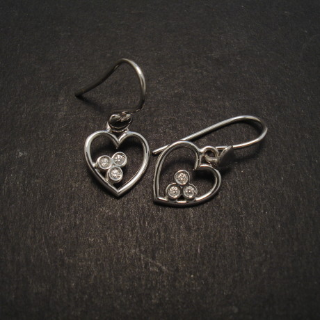 heart-earrings-18ctwhite-gold-diamonds-08355.jpg