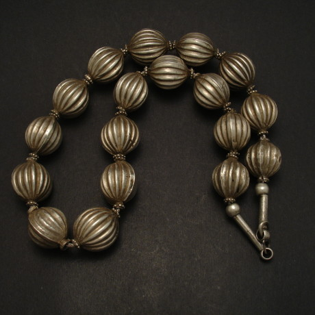 fluted-tribal-silver-bead-necklace-06944.jpg