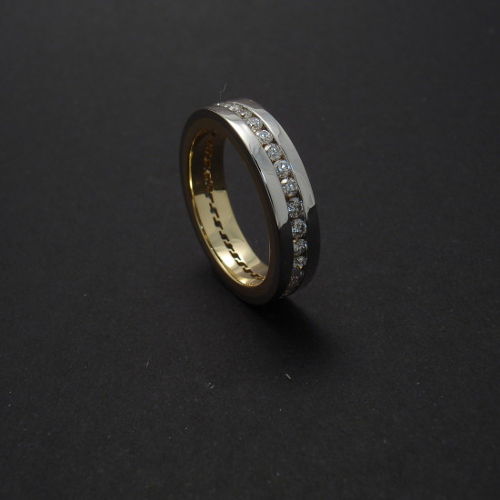 master-work-18ctgold-1ctdiamonds-eternity-ring-09063.jpg