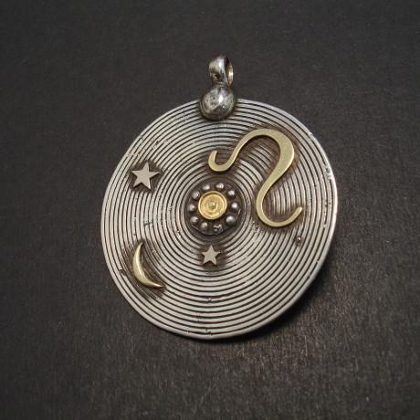 leo-silver-18ctgold-disc-pendant-08254.jpg