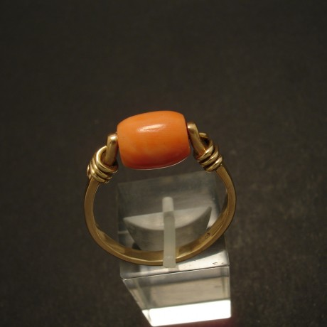 lovely-tribal-coral-bead-9ctgold-ring-02927.jpg
