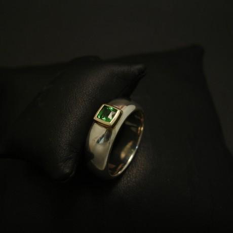 tzavorite-gemstone-green-garnet-18ctgold-silver-ring-03963.jpg