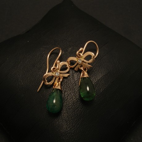 briolette-emeralds-9rose-bow-earrings-02149.jpg