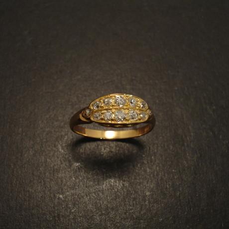 antique-18ctgold-12diamond-ring-08899.jpg