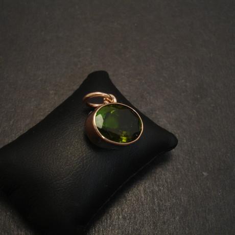 green-tourmaline-gemstone-9ctrosegold-pendant-08640