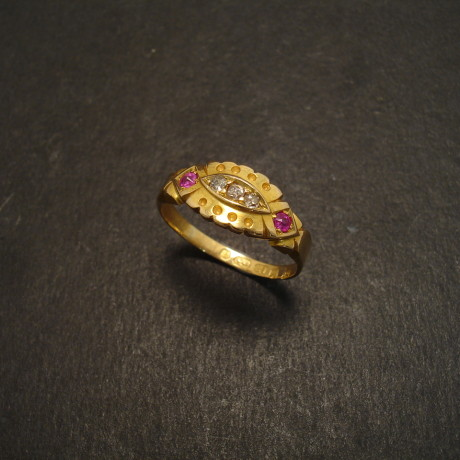 scalloped-ruby-diamond-18ctgold-antique-ring-08645.jpg
