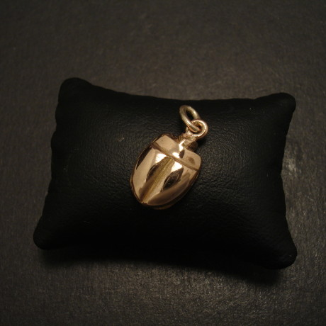 solid-rose-9ctgold-pendant-no2-08900.jpg