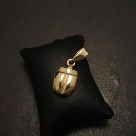 yellow-gold-9ct-scarab-pendant-no1-08901.jpg