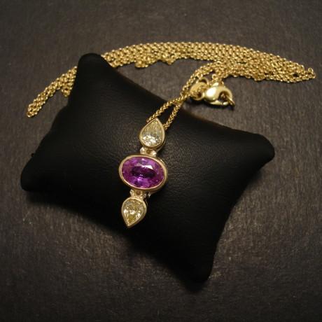 pink-sapphire-yellow-diamonds0-18ctgold-pendant-08769.jpg