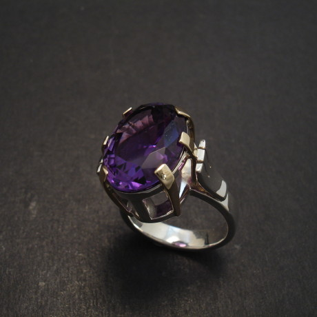 silver-gold-9ct-6claw-amethyst-18x13-ring-08839.jpg