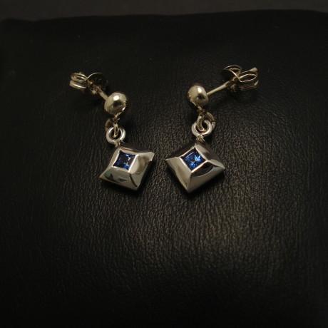 square-sapphires-aus-9ctwhite-gold-earstuds