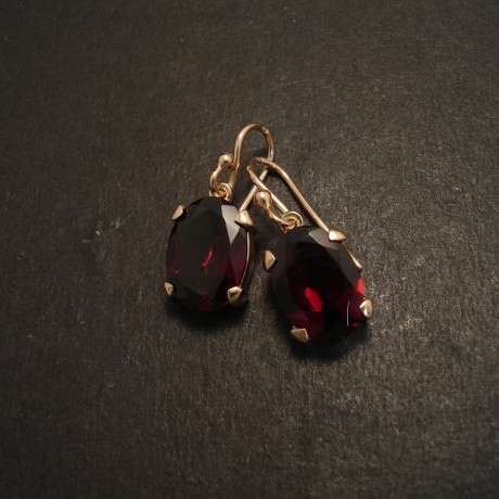 four-claw-9ctrose-gold-earrings-10x14-garnets-09059
