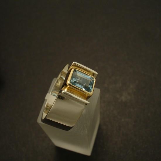 aquamarine-7x5mm-baguette-silver-18ctgold-02854.jpg