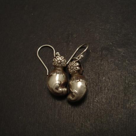 mango-tribal-silver-pendant-earrings09103.jpg