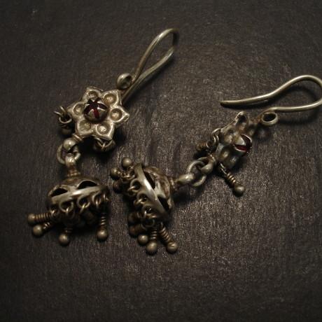 old-afghani-tribal-silver-earrings-09197.jpg