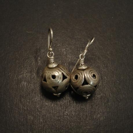 sindhi-tribal-silver-sphere-earrings-09186.jpg