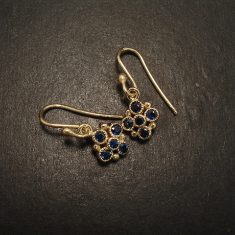 ten-sapphires-australian-.97ct-9ctgold-earrings-056-09159.jpg