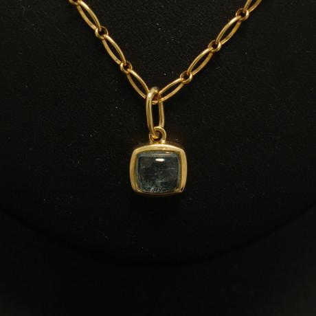 aquamarine-cushion-cut-18ctgold-pendant-02025.jpg
